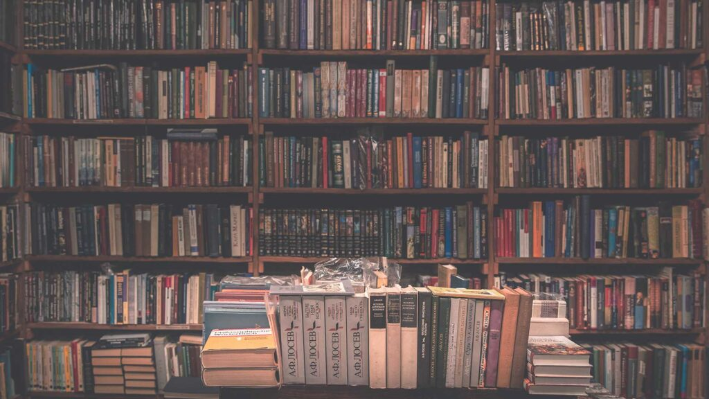 how much do book publishers make